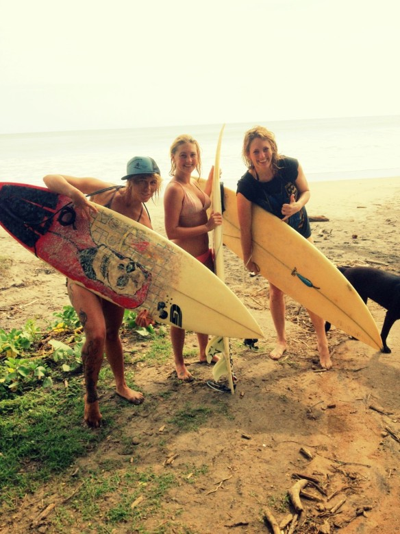 New surf chica friends
