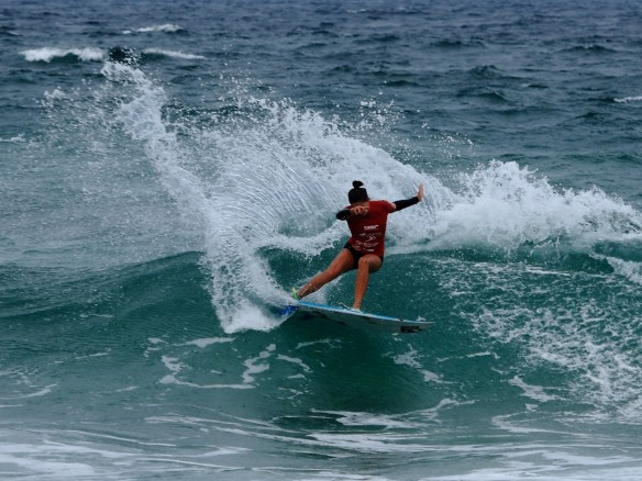Malia Manuel pulling out all the stops in the Final against Alessa Quizon