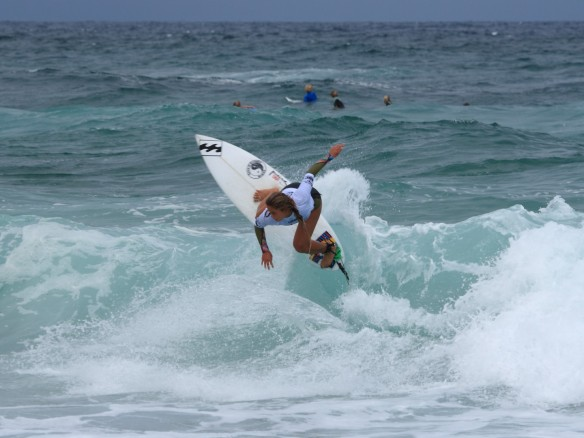 Alessa Quizon fighting back in the Final