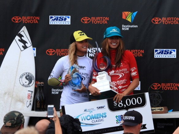 Malia Mauel and Alessa Quizon...the all Hawaiin Finalists!