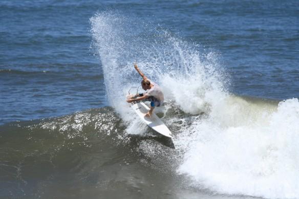 Surf El Salvador SaltyLips Nathan Bloemers