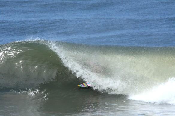 Surf El Salvador Rohan Watts Barrel  Photo: SaltyLips Nathan Bloemers