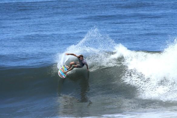 Surf El Salvador Rohan Watts Photo: SaltyLips Nathan Bloemers